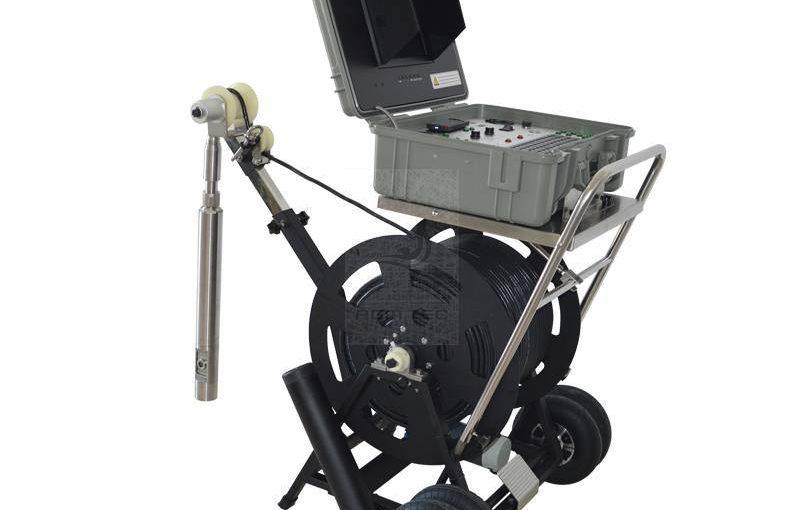 Puits de forage d'eau: une caméra d'inspection pour un diagnostic vidéo